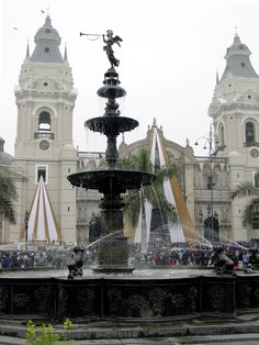 Town Square, Lima, Peru. Best study abroad experience.
