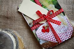 ArtStore / Kartičky na recepty Gift Wrapping, Paper, Gifts, Dinner, Presents, Wrapping Gifts, Gifs, Gift Packaging, Present Wrapping