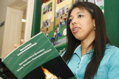 O conhecimento que Edimara Soares ganhou durante a pesquisa é colocado em prática e debatido em cursos sobre educação escolar quilombola para professores.