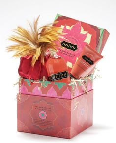 The path to passion can be playful, indeed. Strawberries and Champagne was newly created after popular demand. It is reminiscent of plump ripe strawberries engulfed in the bubbly! This tin harbors a trio of treats, all flavored with Strawberries and Champagne.