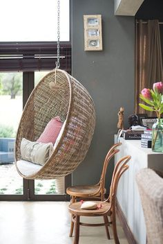 Adore ! Vintage Rattan hanging chair !