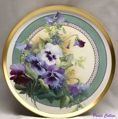 Oh! I love pansies and especially these ones painted on porcelain by Paula Collins ♥