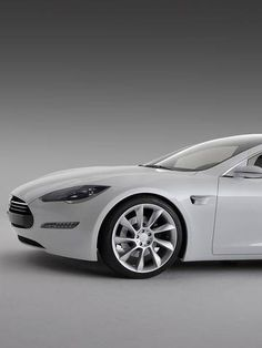 'Motor Trend' names Tesla Model S as Car of the Year