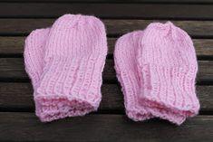 Käsitöitä rakkaudella: Vauvan tumput + ohje Knitted Hats, Winter Hats, Diy, Knitting Ideas, Fashion, Moda, Bricolage, Fashion Styles, Do It Yourself
