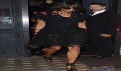 كامبل تتلألأ في فستان شيفون أسود وتبدي…: إنها ملكة عروض الأزياء بلا منازع من المنصة ولا تفشل أبدا في الإبهار داخل وخارج السجادة الحمراء،…