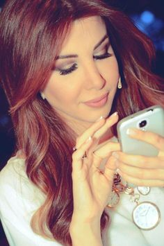 nancy ajram: I'm in love with the way her makeup artists, do her makeup!!!