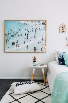 beachy bedroom / Photography: Hannah Blackmore / Interior: Three Birds Renovation / Art: Danielle Cross