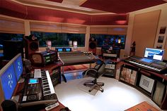Beautiful Solution For Music Studio.. Amazing WorkSpace..