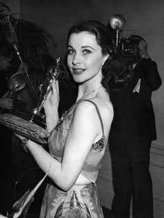 """Vivien Leigh at the 12th Academy Awards where she won Best Actress for """"Gone With The Wind"""""""