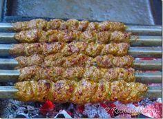 Grill The Chicken Dhaga Kabab Turkish Recipes, Greek Recipes, Indian Food Recipes, Asian Recipes, Savoury Recipes, Healthy Recipes, Healthy Meals, Yummy Recipes, Seekh Kebab Recipes