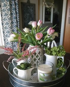 Rustic farmhouse decor is beautiful in any season, but it is especially spectacular in spring! If you are looking for Catchy Farmhouse Spring Decor Ideas to your home. Decoration Photo, Decoration Table, Spring Decorations, Kitchen Table Decorations, Summer Mantle Decor, Home Decor Trends, Diy Home Decor, Decor Ideas, Deco Nature