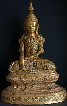Image from http://goldentriangleantiques.com/wp-content/uploads/2013/05/EarlyTai-Yai-Art-Burmese-buddha-Statue-2018.jpg.