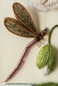Dragonfly-from-Stumpwork-Panel-with-White-Flower-by-Lorna-Loveland.jpg 700×1.033 pixels
