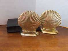 Pair of Vintage Brass Clam Shell Bookends, Brass Shell Bookends, Nautical Decor,  Beach Theme Decor, Coastal Decor, Clam Shell Book Ends by BeautyMeetsTheEye on Etsy