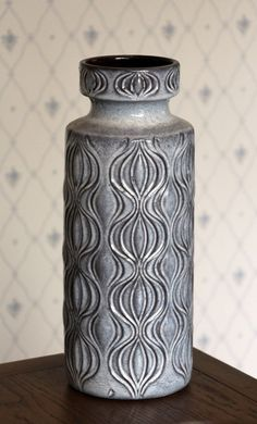 Scheurich. Dekor: Amsterdam. No:285-40. Vintage Crockery, Vintage Lamps, Look Vintage, Hanging Lights, Retro, Ceramic Pottery, Wall Sconces, Modern Decor, Lava