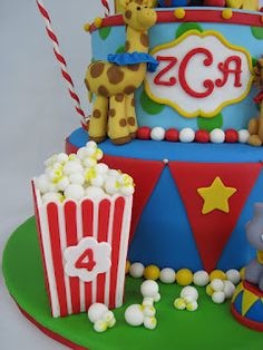Heather's Cakes and Confections: 3-D Cakes