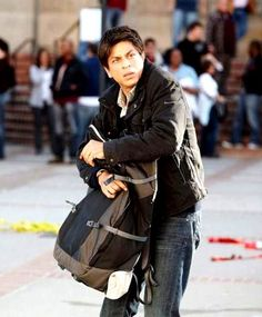 Embedded image permalink-My name is Khan and he is the best actor ever. Shah Rukh Khan Movies, Shahrukh Khan, Bollywood Theme, Bollywood Stars, My Name Is Khan, Richest Actors, Srk Movies, Half Girlfriend, Sr K