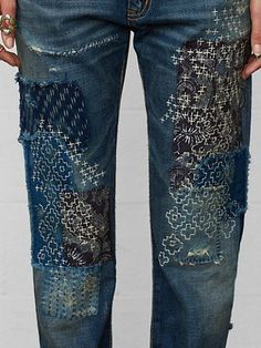 Teru Boyfriend Jean - Straight-Leg Denim - Ralph Lauren UK - but sashiko on… Sashiko Embroidery, Japanese Embroidery, Embroidery Patterns, Hand Embroidery, Embroidery Stitches, Japanese Sewing, Embroidery Fashion, Embroidery On Denim, Eyebrow Embroidery