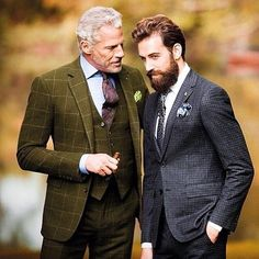 Three piece suit by Ralph Lauren Purple Label and Louis Vuitton Timeless and classic.the dapper tailor loves it Style Gentleman, Gentleman Mode, Dapper Gentleman, Gentleman Fashion, Great Minds Discuss Ideas, Small Minds Discuss People, Style Dandy, Gym Images, Green Suit