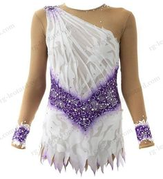 In our beautiful competition rhythmic gymnastics leotard Snow White for girls you will feel confident and stay focused only on your performance!