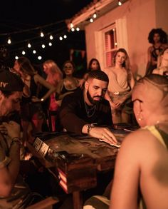 Drake on set of the MIA video 😍 Aubrey Drake, Drake Take Care Album, Drake Rapper, Girl Power Songs, Drake Wallpapers, Best Rap Songs, Drake Drizzy, Drake Graham, Celebs