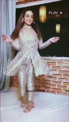 Pakistani Fashion Party Wear, Pakistani Dresses Casual, Indian Fashion Dresses, Pakistani Dress Design, Mehandhi Designs, Wedding Dance Video, Beauty And The Beast Movie, Indian Wedding Gowns, Pakistani Actress