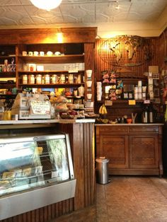Located on Market St and only a few blocks from the French Quarter Inn, be sure to check out City Lights Coffee for some caffeine before you and your wedding party tour the city streets!