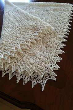 Ravelry: Project Gallery for Babysvøbet - Det hele kongerige! pattern by… Lace Knitting, Baby Knitting Patterns, Knit Crochet, Crochet Patterns, Crochet Baby, Knitted Afghans, Knitted Baby Blankets, Christening Blanket, Baby Shawl