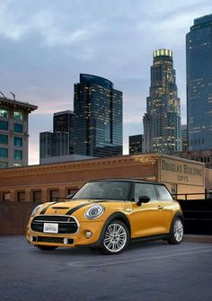 Mini in Hollywood. My Dream Car, Dream Cars, Yellow Mini Cooper, Mini Coper, Top Supercars, Mini Cooper Models, Bristol, Cooper Countryman, Yellow Car
