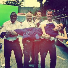 35 Behind-The-Scenes Photos From Grey's Anatomy That You've Probably Never Seen Before Pick me. Choose me. Greys Anatomy Funny, Greys Anatomy Cast, Grey Anatomy Quotes, Greys Anatomy Bloopers, Por Tras Das Cameras, Greys Anatomy Characters, Casting Pics, Patrick Dempsey, Youre My Person