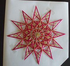 Baumschmuck: Stroh - Strohsterne - Stern rot - ein Designerstück von Strohsterne-rs bei DaWanda Recycled Parol, Handmade Ornaments, Handmade Gifts, Corn Dolly, Straw Crafts, Straw Weaving, Willow Weaving, Paper Crafts, Diy Crafts
