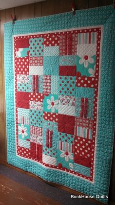 Ann's Swirly Girly Quilt is tons of fun! What a creative use of quilting designs! Fantastic work.