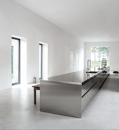 I love this kitchen via Minimalism works so well in this setting. It allows the stainless steel to speak for itself; and whoever thought S. Home Decor Kitchen, Kitchen Furniture, New Kitchen, Metal Kitchen Cabinets, Modern Kitchen Design, Interior Design Kitchen, Luxury Kitchens, Home Kitchens, Stainless Steel Kitchen