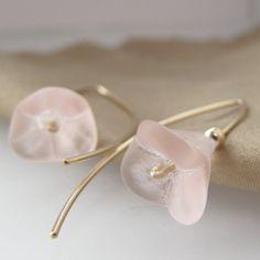 Dirty Twinflower Linnea flower minimalist earrings by MirjamH @Linnea Trudevall Trudevall Mylott