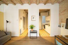 Casa celebra o passado em novas cores e divisões