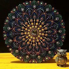 Mandala tamanho 35x35, pintada à mão. Tinta acrílica/PVA sobre MDF. (vendida). #yantramandalas #mandalas #mandalaart #dotilism #pontilhismo #mandalaartesanal #artesmanuais #kosmos #energi #cosmicart #spiritualart #zenart #mandalapassion #acrilicpaint #mandaladesign #mandalaartist #mandalando #mandalacoloring #handmade #feitoamao #campinagrande #mandalalover #mandalascampinagrande #paraiba #brasil #psicodélico #psicodelic #artesanato #mandalasworld