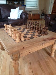 Coffee Table Chess Board, Chess Board Set, Wooden Chess Board, Chess Table, Chess Sets, Wood Projects, Woodworking Projects, Vintage Board Games, Chess Pieces