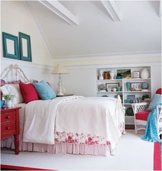 Key Interiors by Shinay: Cottage Bedroom Design Ideas