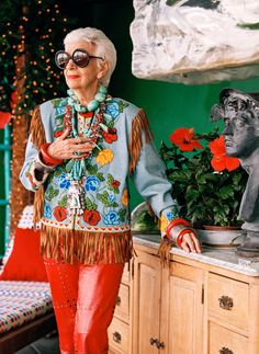 Review: In 'Iris,' Albert Maysles Explores Iris Apfel's Style - NYTimes.com