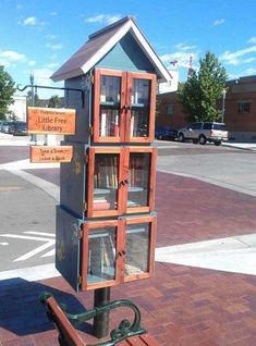 Free Little Libraries: 25 Contextual Designs & Creative Reuses Little Free Library Plans, Little Free Libraries, Little Library, Mini Library, Library Books, Library Inspiration, Library Ideas, Mini Shed, Little Free Pantry