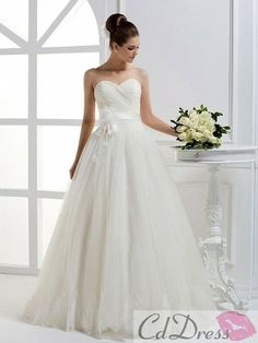 Charming A-line Sweetheart Organza and Lace Floor-Length Wedding Dress