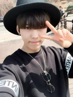 Lee Suwoong 이수웅 || Boys Republic || 1995 || 174cm || Vocal || Maknae