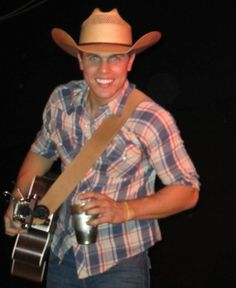 Dustin Lynch come to Oklahoma so we can meet and fall in love already!