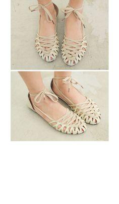 Punch & Laced Flat Sandals | FashionShop【STYLENANDA】