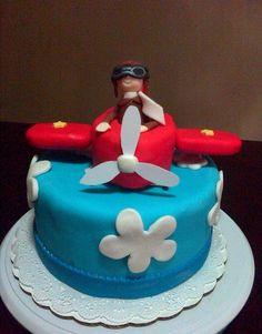 Pastel con figura de avión y piloto !!!