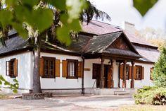 Dworek Kościuszków w Lublinie zrekonstruowany z oryginalnego XVIII - wiecznego. W latach1772- 1790 a także przed wyjazdem do Ameryki, mieszkał tu u swojego stryja Jana Nepomucena, gen Tadeusz Kościuszko. Dworek stoi na terenia Lubelskiego Ogrodu Botanicznego.