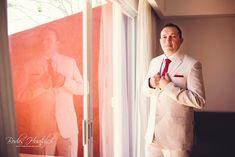 Wedding Expert Tips: Groom's Style For a Beach Wedding, beach wedding suit. Bodas Huatulco #beachweddingsuit #beachweddingmexico #BodasHuatulco #bodaenplaya #trajedenovio