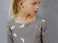Selber nähen: Mädchenshirt mit Schulterecken - Marlene - Schnittmuster und Nähanleitungen bei Makerist