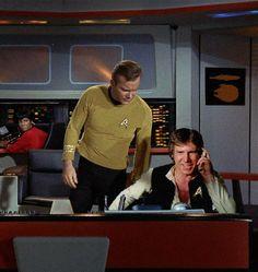 Old School Science Fiction Star Trek Bridge, Star Trek Books, Star Trek Captains, Starship Enterprise, William Shatner, The Force Is Strong, One Liner, Classic Tv, Childhood Memories