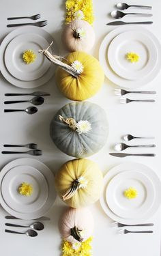 Looking for a table setting that's not TOO orange this Thanksgiving? Check out these beautiful and unique tablescapes in unexpected colors! For more entertaining tips and tabletop tips, head to Domino. Thanksgiving Tablescapes, Thanksgiving Parties, Thanksgiving Decorations, Seasonal Decor, Table Decorations, Modern Wedding Centerpieces, Decor Wedding, Gift Wedding, Modern Fall Decor